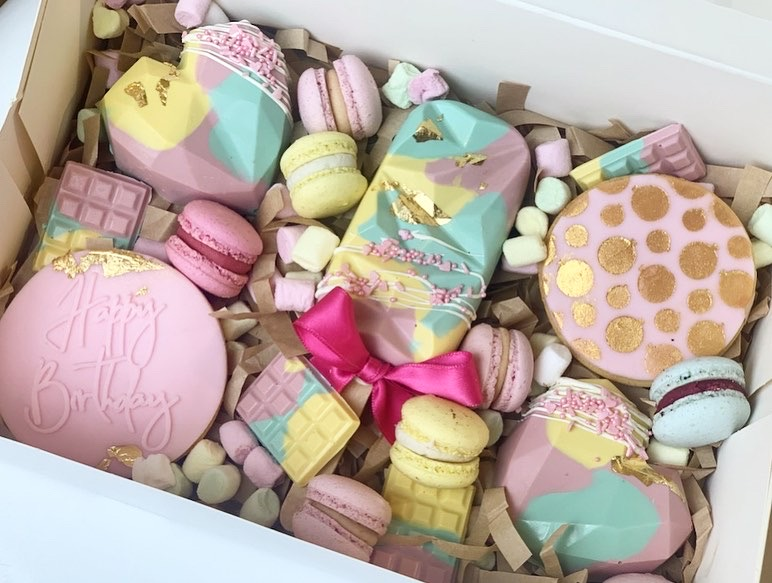 """Happy Birthday"" Box bunt"