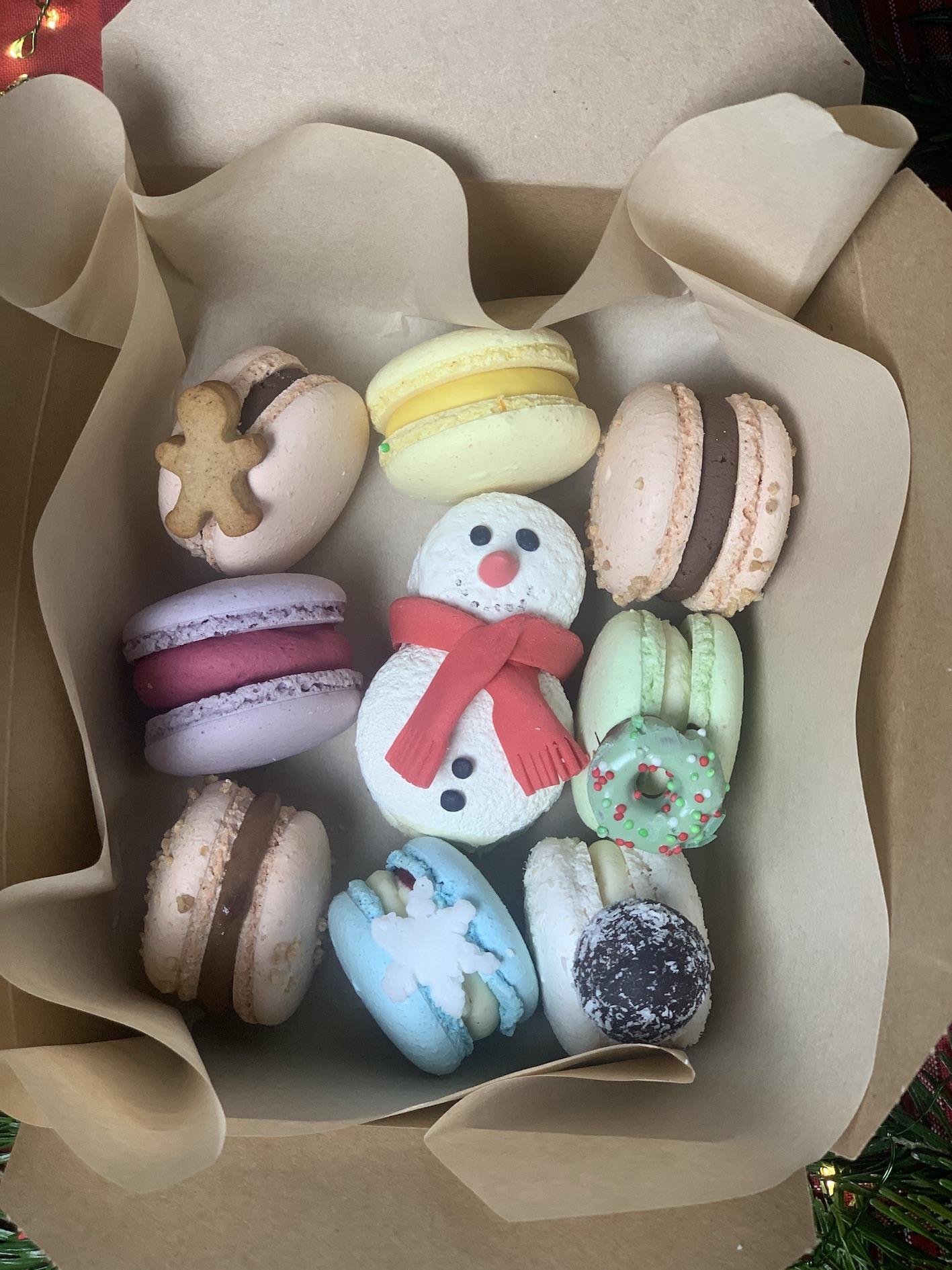Weihnachtliche Macaronbox